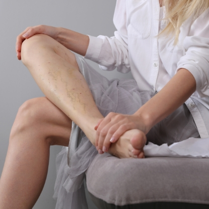 patient looking at leg